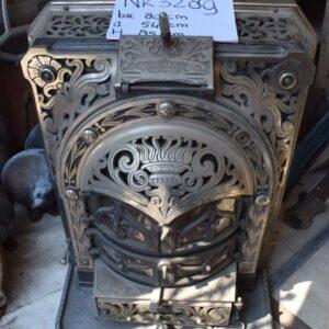 Antieke kolenkachel
